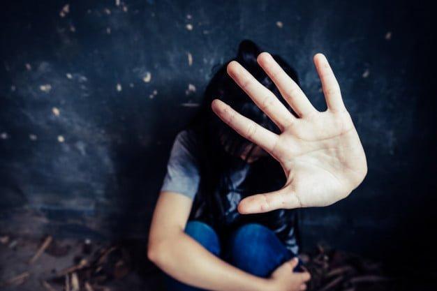 Ο βιασμός είναι έγκλημα και μόνο ως τέτοια ενέργεια πρέπει να αντιμετωπίζεται. Συνεπώς, οφείλει να τιμωρείται και όχι να δικαιολογείται από τη στιγμή που βάρβαρα παραβιάζει την ατομικότητα του έτερου προσώπου.