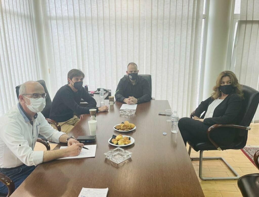 Στα γραφεία της Ελληνικής Ομοσπονδίας Γούνας η Μαρία Αντωνίου