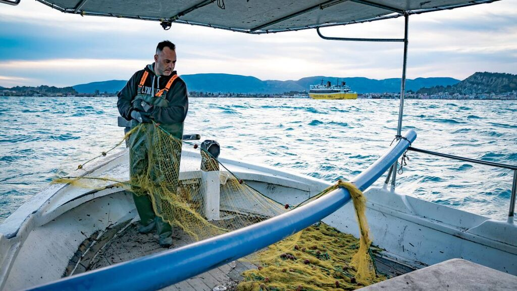 WWF: Πρόσκληση υποβολής προτάσεων επιχορήγησης από 5.000 έως 20.000 ευρώ στους αλιείς μικρής κλίμακας