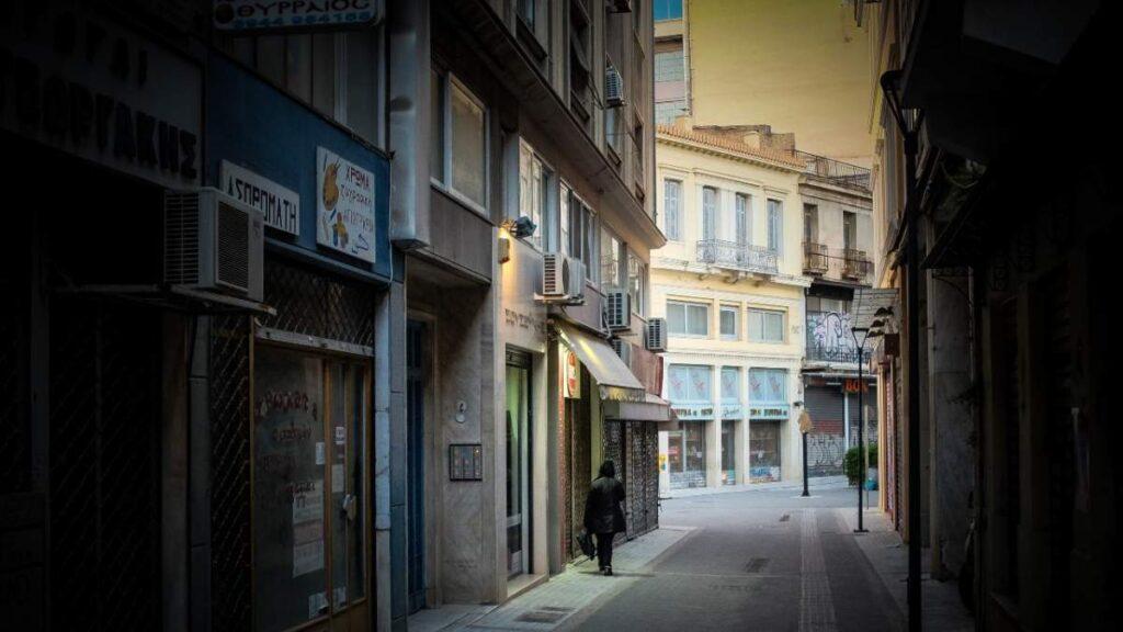 Δυο αγκάθια της χώρας: Δημόσιο Χρέος και Διαφθορά, γράφει ο Δημήτρης Μάρδας