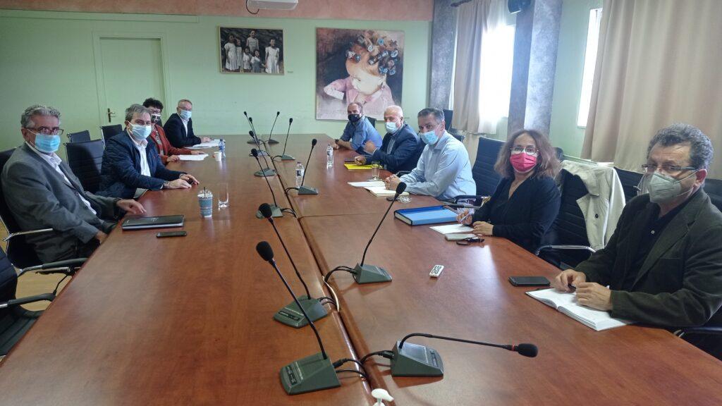 Συνάντηση του Περιφερειάρχη Γιώργου Κασαπίδη με τον Πρύτανη του Πανεπιστημίου Δυτικής Μακεδονίας Θεόδωρο Θεοδουλίδη, για την πρόοδο των έργων του Πανεπιστημίου στη Φλώρινα.