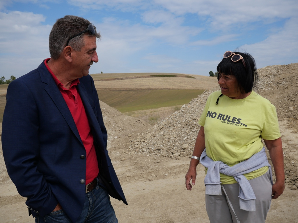 Επίσκεψη του Δημάρχου Γρεβενών Γιώργου Δασταμάνη στις ανασκαφές που είναι σε εξέλιξη στην κοινότητα του Αγίου Γεωργίου