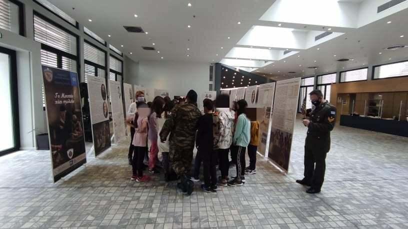Το Μουσείο πάει Σχολείο»: Συνεχίζεται η έκθεση κειμηλίων του Πολεμικού Μουσείου στο χώρο της Κοβενταρείου Δημοτικής Βιβλιοθήκης Κοζάνης